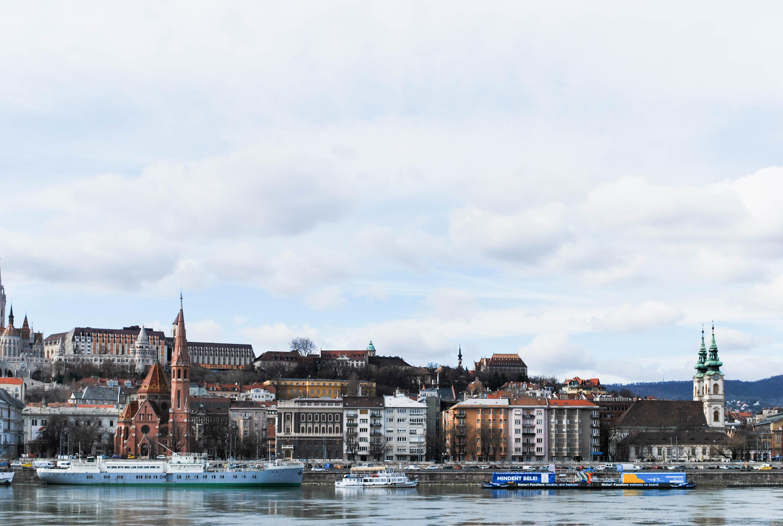 9.Budapest, the Pearl of the Danube. Emedemoca