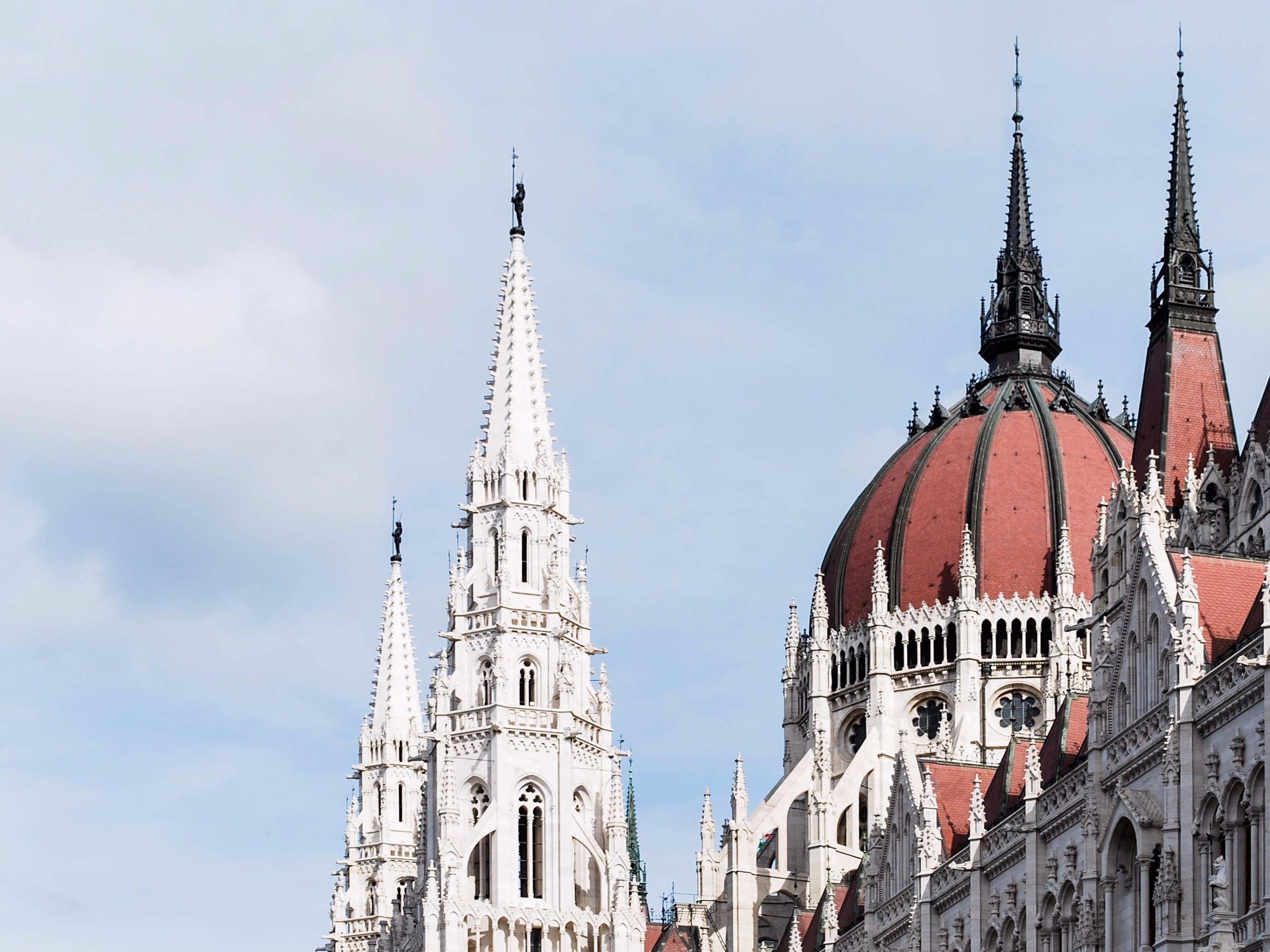 10.Budapest, the Pearl of the Danube. Emedemoca