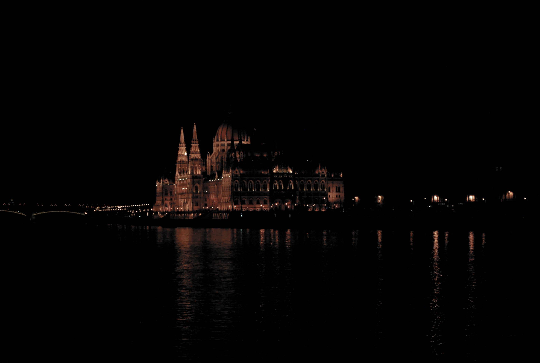 26.Budapest, the Pearl of the Danube. Emedemoca