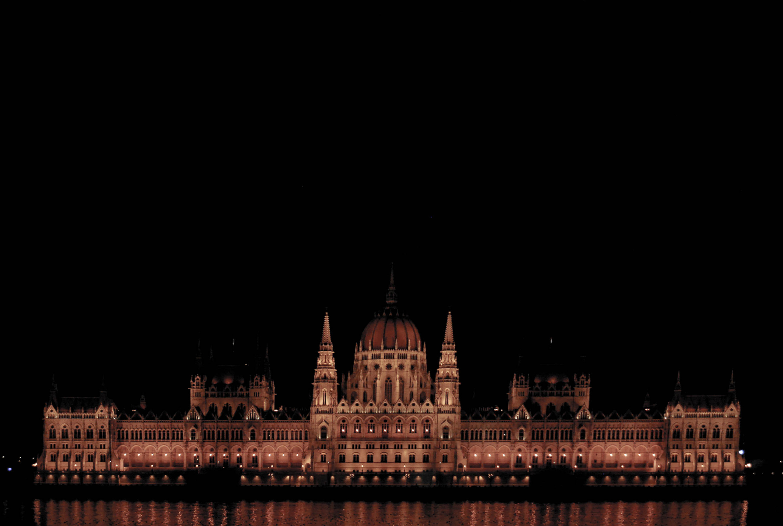 27.Budapest, the Pearl of the Danube. Emedemoca